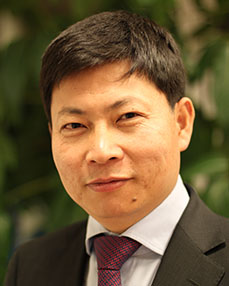 Richard Yu Headshot
